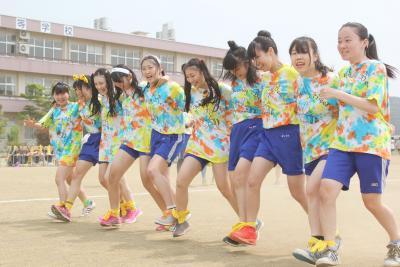 高校の体育祭シーズン 石巻商業 ユニーク競技も 仲間と息を合わせ白熱