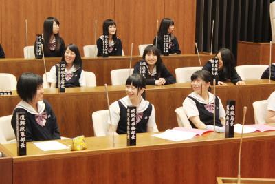 桜坂高3年生 主権者教育 役所と議会ってどんなところ? 現場訪問で意義認識