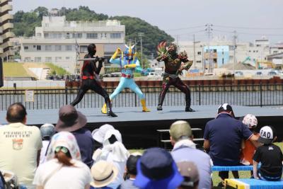 海斗とコナンと元気っ子 マンガッタンフェス盛況 夏空に響く歓声 23日は水上ショーやアニソンライブ