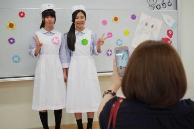赤十字看護学校 学校祭 ナースの卵の学びに関心 オープンスクールと同時開催