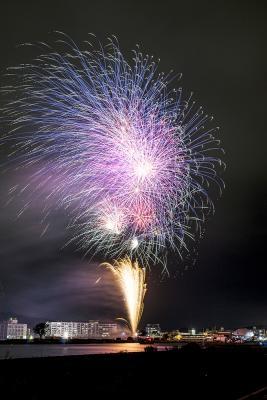 石巻川開き祭り 復興と希望の大輪咲く 笑顔照らす大迫力の6千発