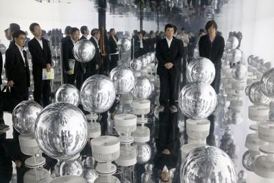 村井知事拠点訪問 リボーンアートフェスに感動 出会いの場 ぜひ継続を