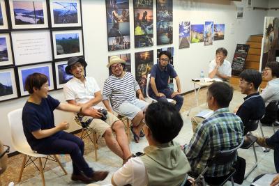 つづく展2 9月10日まで開催中 石巻ニューゼでギャラリートーク 写真は地域との絆 出展者4人が思い率直に