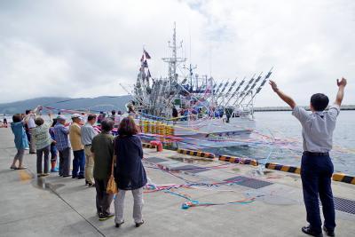 サンマ大型船 石巻から出港 予測吹き飛ばす大漁を