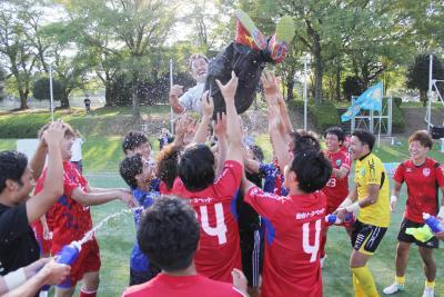 コバルトーレ女川 圧倒的強さで連覇 3試合残して歓喜に沸く