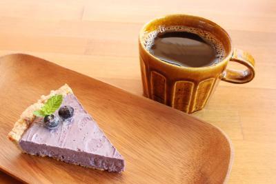 Living Food Cafe[en] 自然派メニューで体調改善 心と体喜ぶローフード 人気はフルーツタルト