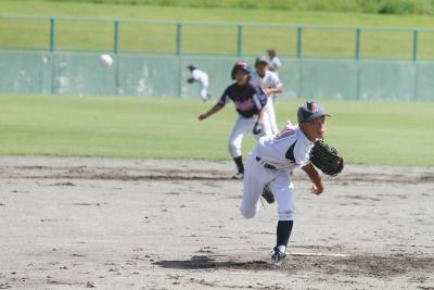 石日杯新人少年野球 台風一過の下でプレー 日程変更で初日8試合