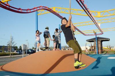 あゆみ野 親子連れに大人気 新市街地に広大な公園