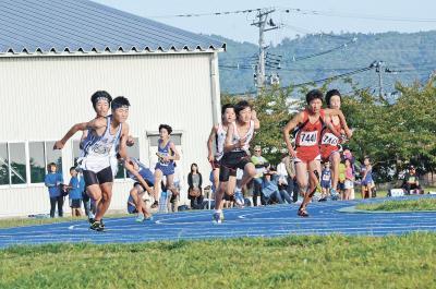 第50回石巻市陸上競技選手権大会 小中学生357人躍動 秋晴れも記録を後押し