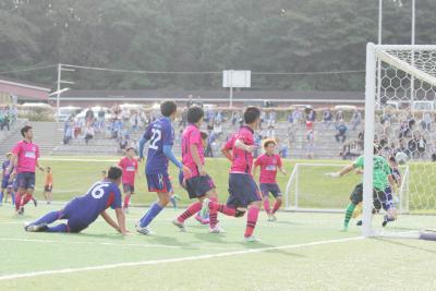 阿部選手の折り返しを青柳選手がねじ込んで意地の1点を挙げた