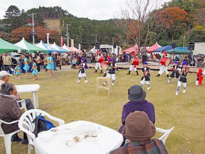 ワンコイン祭り盛況 NPO牡鹿の旬彩主催 食でにぎわい 半島の秋 1月から会員制グルメ企画スタート