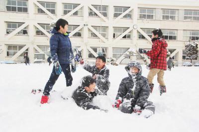石巻市で積雪18センチ 半島部6校が臨時休業 始業繰り下げなど相次ぐ 24日は真冬日の予報も
