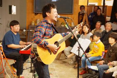 歌でつなぐ石巻と石垣島 復興願いまちなかライブ 沖縄の熱い思いを乗せて