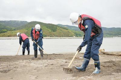 震災から7年2カ月 河北署  釜谷地区で捜索活動 手がかり求め根気強く