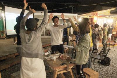 ロシアW杯 日本初戦 石巻地方でも歓喜の夜 強豪コロンビアに金星