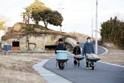 【カメラリポート】国指定無形文化財 「月浜のえんずのわり」 男子3人 二百余年の伝統継承