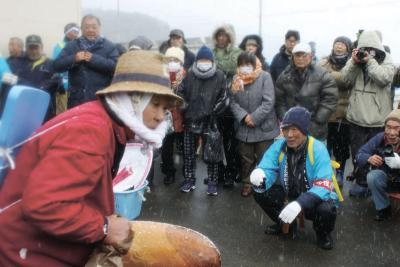 雄勝名振地区 伝統のおめつき 豊漁祝い艶話の即興劇