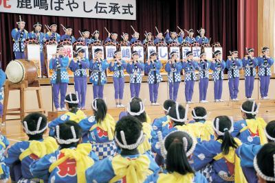 広渕小 鹿嶋ばやし 集大成と初舞台で継承 5年生 誇りと責任自覚