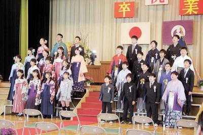 小学校卒業式 住吉小31人が巣立ち 誇り胸に未来へ