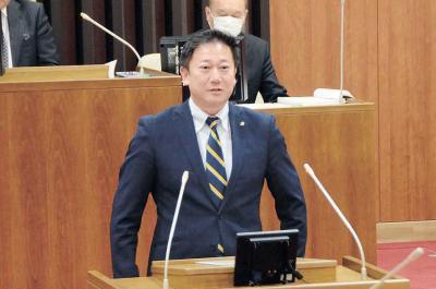 総務省復帰の 佐藤副市長「意見聞かれず孤独」と吐露 市議会に退任あいさつ