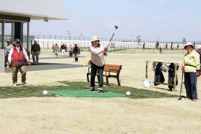 26日に矢本海浜緑地再開園 プレオープンで試打 地域最大のパークゴルフ場新設