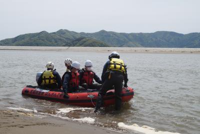 震災8年2カ月を前に 北上川中州で初の捜索 河北署 不明者求めて
