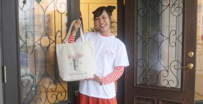 石巻日日新聞 3万号記念 Tシャツとトートバッグ販売 グッズで愛する地域表現