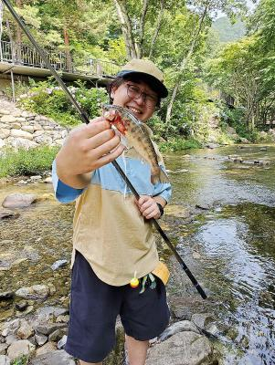 筆者は大好きな渓流釣りをセレクト