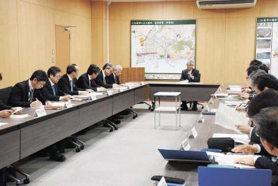亀山市長と幹部職員からなる対策本...
